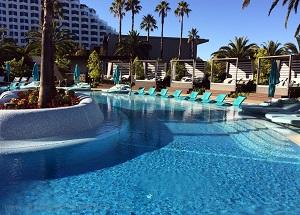 perth-crown-towers-pool